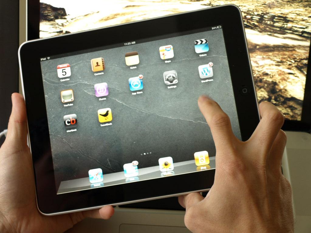 iPad in de hand ...